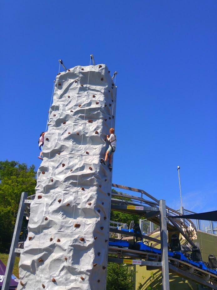 Rock-Climbing-Blue-Moutain-Resort