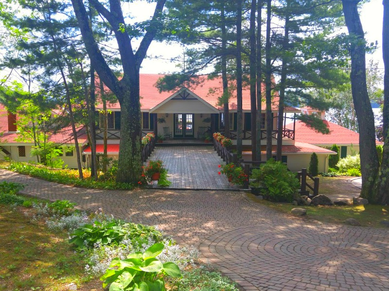 Severn-Lodge-Main-Entrance