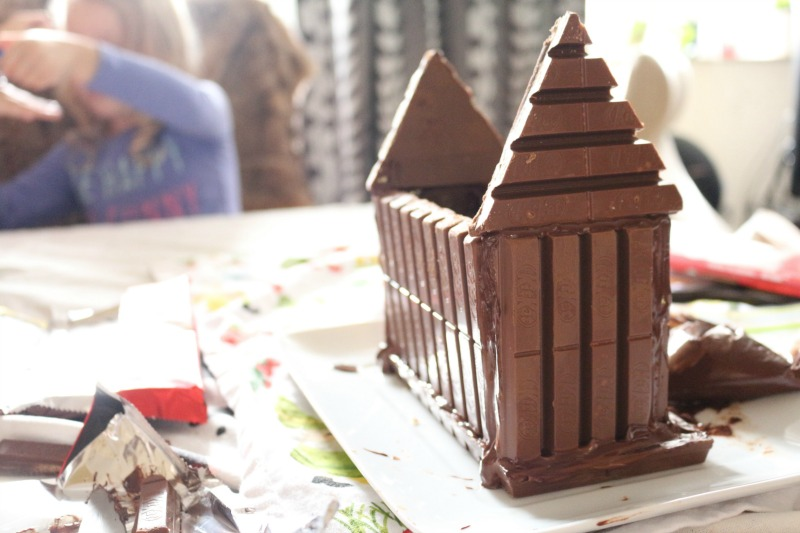 emb_chocolatehouse_step_6